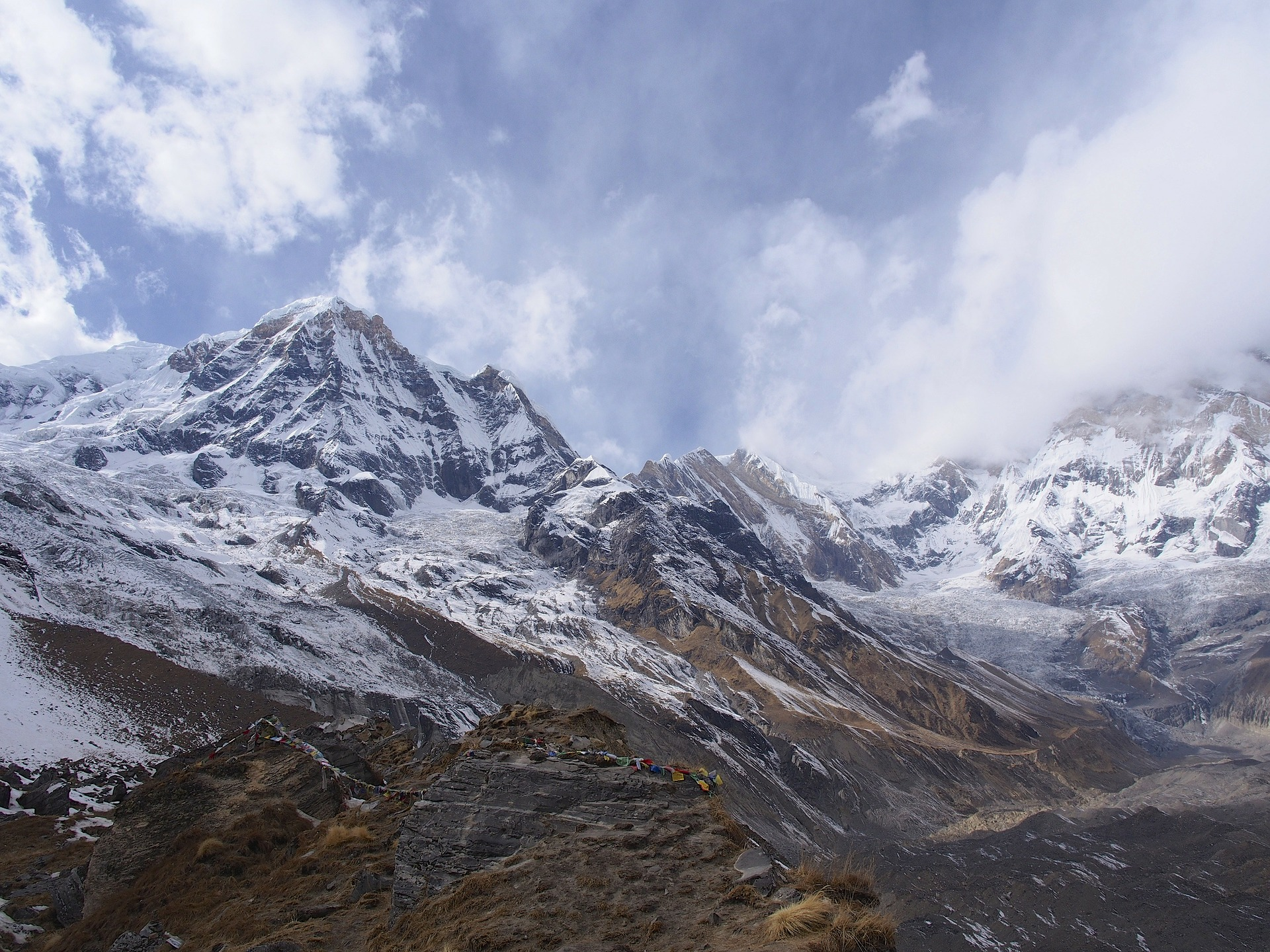 widok na góry w nepalu